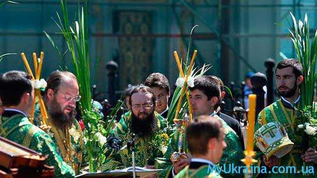 какого числа православная Троица в 2017 году