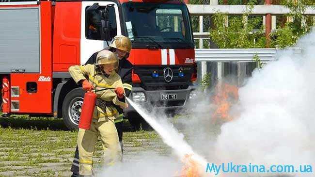 когда пожарным повысят зарплату в Украине 2017