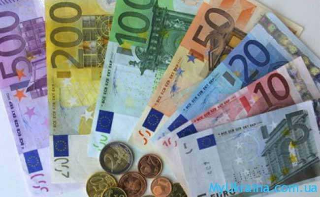 бумажные и железные евро