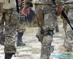 ноги военных