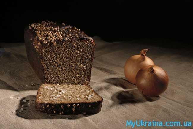 лук  и хлеб