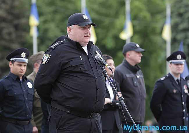 Как определяется зарплата полицейского?