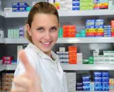обратиться за помощью к аптекарю