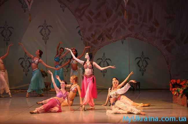 день танцевального искусства