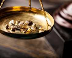 Кто отвечает за цены на золото?