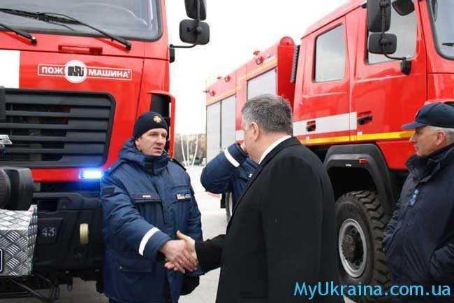 правительство пообещало увеличить оклады пожарных-спасателей